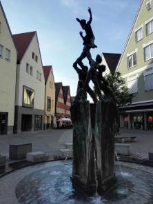 "Brunnen ""am Fuchseck"" an der Haupteinkaufsstraße"