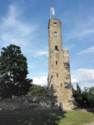 Der Bergfried der Burg Löwenstein