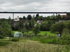Widdern an der großen Autobahnbrücke über das Jagsttal