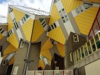 """Die berühmten Kubusbauten """"Kijk Kubus"""" des Architekten Piet Blom sind Bäumen nachempfunden"""