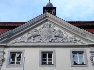 Detailansicht der Fassade über dem Haupteingang