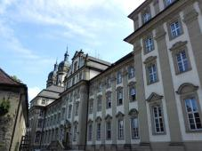 Die palastartige Neue Abtei und Konvent