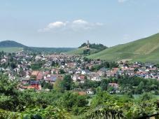 Blick über Schmidthausen zur Burg Hohenbeilstein