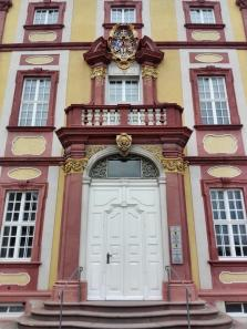 Portal des rechten Seitenflügels