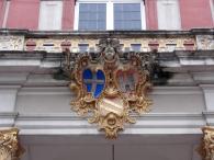 Wappen am Portal des Seitenflügels