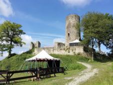 Ritterlager vor der Burg
