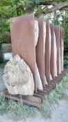 Skulpturen oberhalb des Hundestrandes
