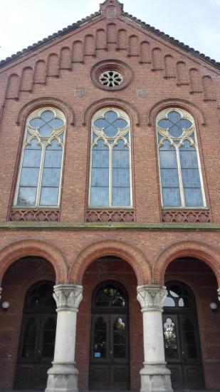 Keine Kirche, sondern das Portal des Alten Gymnasiums von 1878