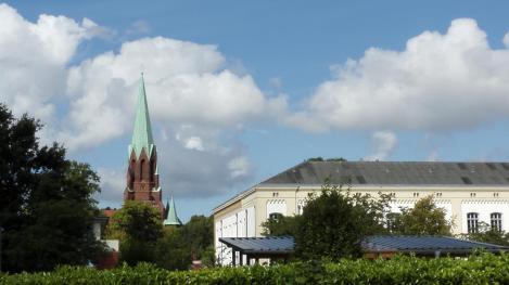 Blick vom Hafen auf die Christus- und Garnisonskirche