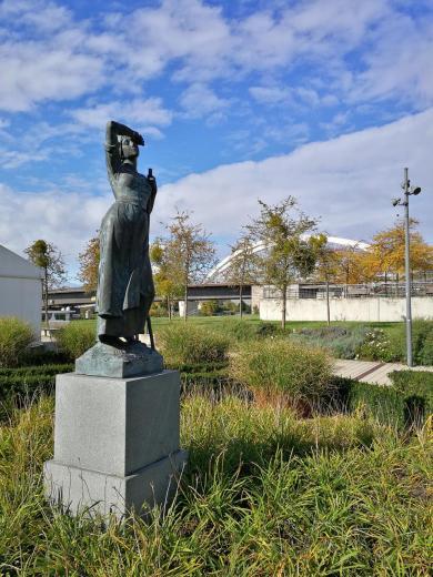 Skulptur an der Trambrücke, die Kehl mit Straßburg verbindet