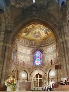 Die Romanische Chorapsis mit neubyzantinischem Fresko