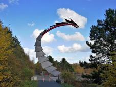 Drachenkopf am Ende der Drachenbrücke über die Cranger Straße
