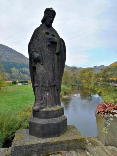 Der heilige Nepomuk auf der Ahrbrücke in Rech
