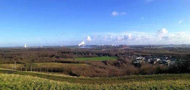 Blick von der Halde Rheinpreussen Richtung Duisburg