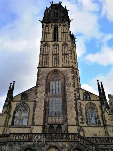 Die gotische Salvatorkirche, die im 14. Jahrhundert errichtet wurde