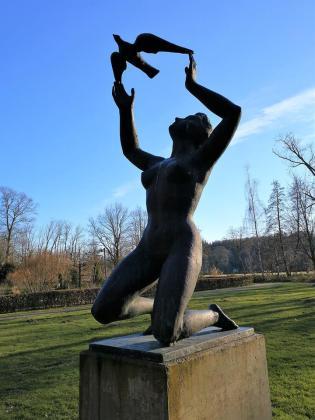 Skulptur im Schlosspark