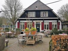 Gasthaus am Rande des Waldes bei Plasmolen