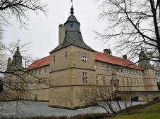 Blick von Osten auf das Schloss Westerwinkel