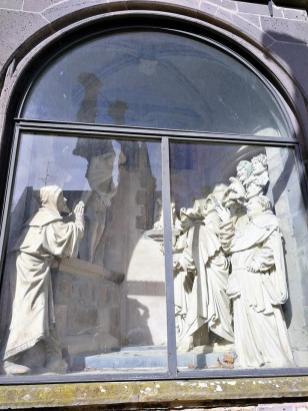 Heiligenfiguren am Dom