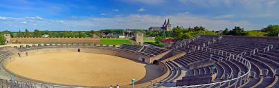 Blick vom Amphitheater zur Innenstadt von Xanten mit dem Dom (Foto Guido Radig | http://commons.wikimedia.org | Creative-Commons-Lizenz)