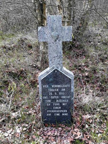 Gedenkstein am Schnittpunkt von Krockesbach- und Schwalmbachtal