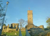 Rückseite der Burgruine