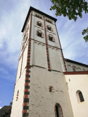 Turm der Johanniskirche an der Lahnmündung