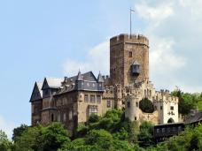 Burg Lahneck oberhalb von Lahnstein (Foto Holger Weinandt   http://commons.wikimedia.org   Lizenz: CC BY-SA 3.0 DE)