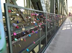 Liebesschlösser auf der Südbrücke
