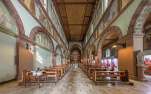 Innenraum der Abteikirche (Foto DXR   http://commons.wikimedia.org   Lizenz: CC BY-SA 3.0 DE)