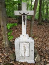 Hier ist in den 1950er Jahren jemand im Wald verstorben