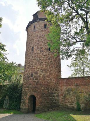 Der Klausturm am nordöstlichen Rand der Stadtmauer