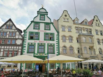 Restaurants in historischem Ambiente am Domplatz