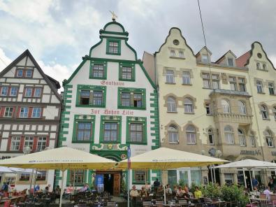 Restaurants in historischem Ambiente am Domplatz