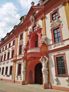Portal der Staatskanzlei am Hirschgarten