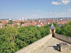Blick von de Zitadelle Petersberg auf die Altstadt