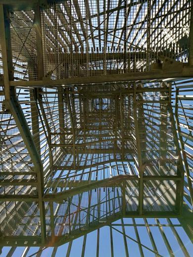 Beim Aufstieg auf den Turm: Blick nach oben