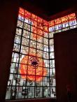 Hauptfenster mit der Rose als Mariensymbol
