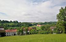 Beim Anstieg auf die Höhen über dem Diemeltal: Blick auf die Warburger Brauerei
