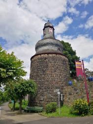 Der ehemalige Gefängnisturm an der Uferpromenade, Teil der früheren Stadtmauer