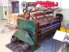 Spulmaschine (Foto Stahlkocher| http://commons.wikimedia.org | Lizenz: Creative Commons Attribution-Share Alike 3.0 Unported)