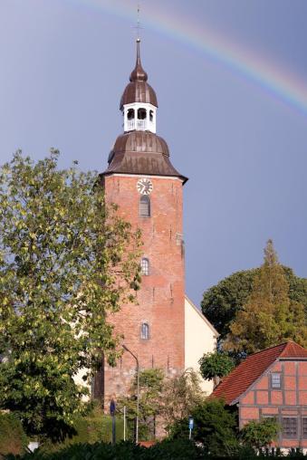 St. Andreas-Kirche, Frontansicht (Foto Christian Eckhardt | http://commons.wikimedia.org | Lizenz: CC BY-SA 3.0 DE)