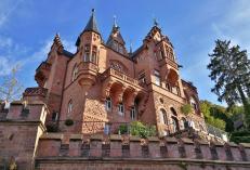 Prächtige Villa unterhalb des Schlosses