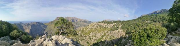 Panorama Blick in die Berge von der Landstraße zwischen Pollenca und Soller