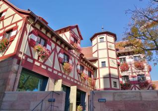 Das Kastellanhaus im Innenhof der Burg