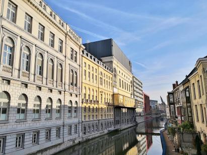 Blick in den Kanal Ketelvaart am Gericht