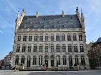 """Haus """"Tafelrond"""" am Grote Markt neben dem Alten Rathaus"""