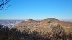 Rechts vom Gipfel erscheint Bonn mit der markanten Shilouette des Telekom-Towers