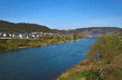 Blick von der Moselgoldbrücke in Richtung Kobern-Gondorf