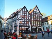 Historische Fachwerkhäuser am Zugang zur Krämerbrücke